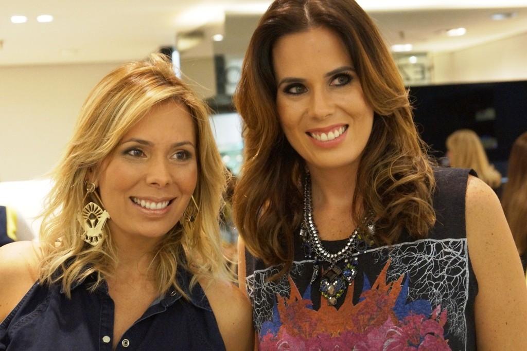 schutz - Raquel e Mariane Regueira